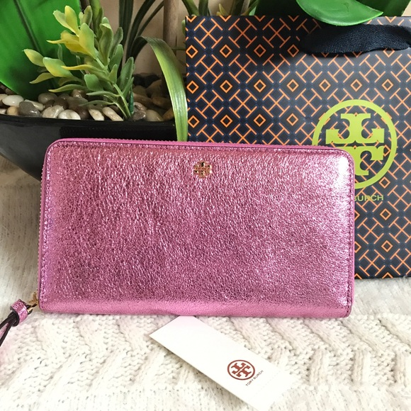 8124069586b7  195 Tory Burch Crinkle Metallic Zip Wallet